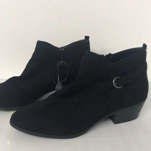 St. John's Bay Memory Foam boots Booties Black 12M